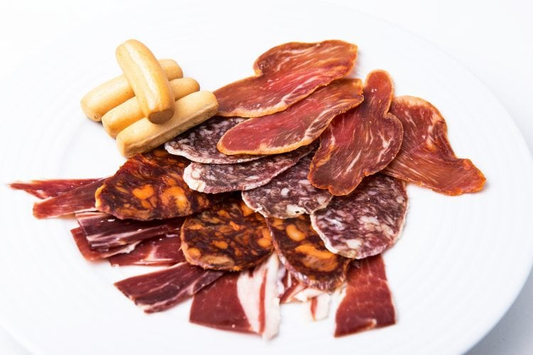 tapas menu cardamomo flamenco tablao madrid chorizo jamon